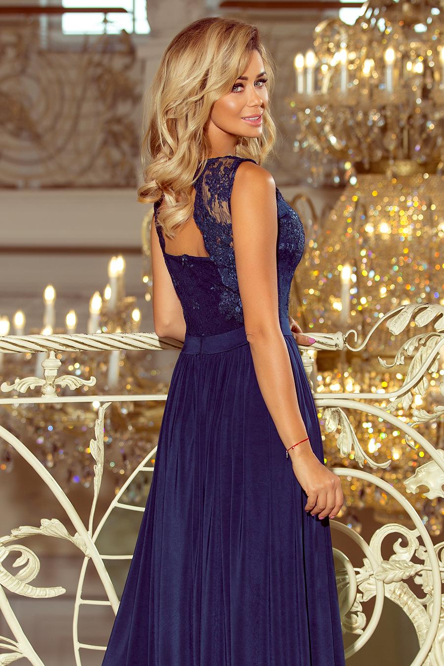 1701cb6daec2 215-2 LEA dlouhé šaty s vyšívaným výstřihem - tmavě modré    Numoco CZ